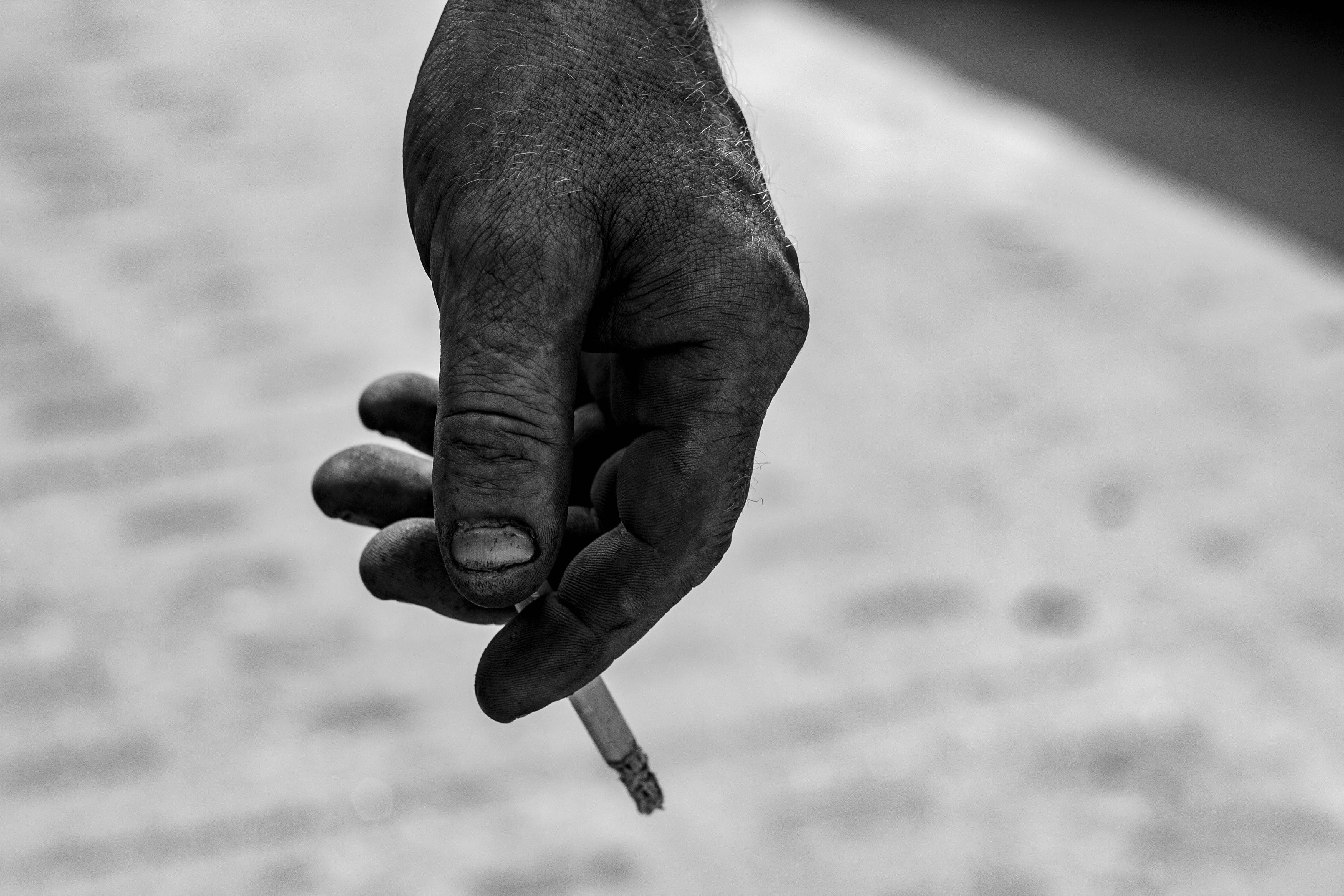 Fotó: Puklus Péter: Részlet az Ezer lengyel kéz című sorozatból, 2018 © Puklus Péter