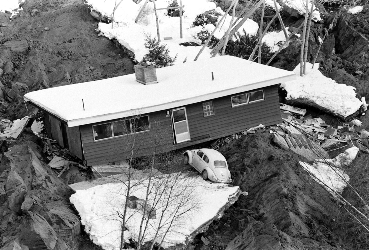alaska-earthquake-04.jpg