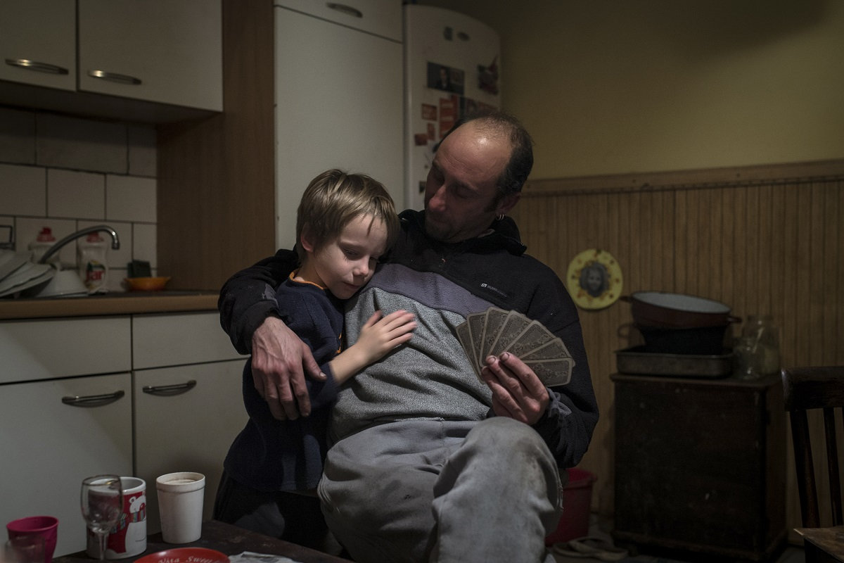 Fotó: Móricz-Sabján Simon (Világgazdaság): Részlet a Borsosék című sorozatból © Móricz-Sabján Simon<br /><br />MÚOSZ Nagydíj