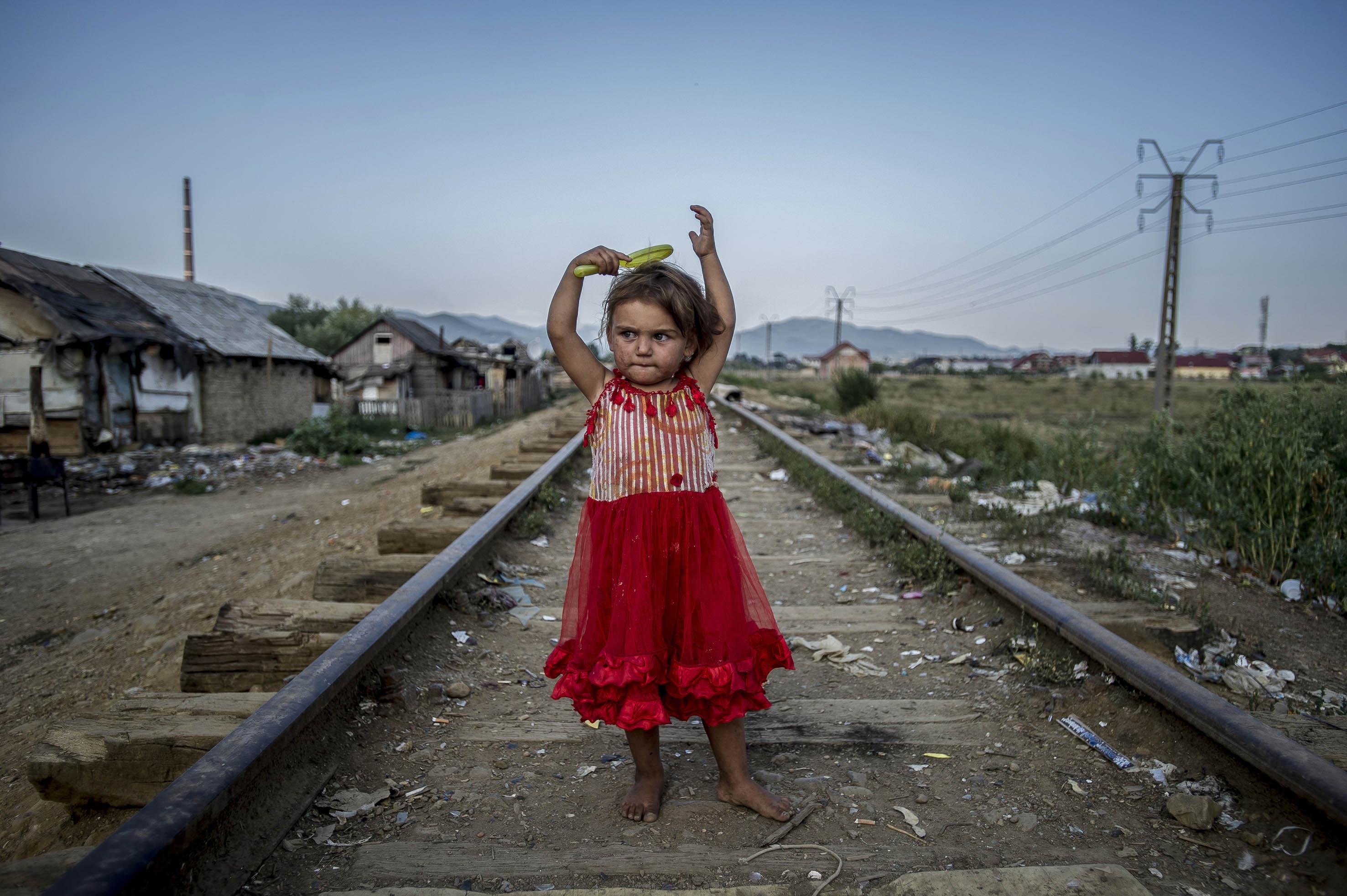 Portré egy romániai cigány kislányról a hírhedt Craicán, 2012<br /><br />Fotó: Hajdú D. András / Magyar Sajtófotó Pályázat