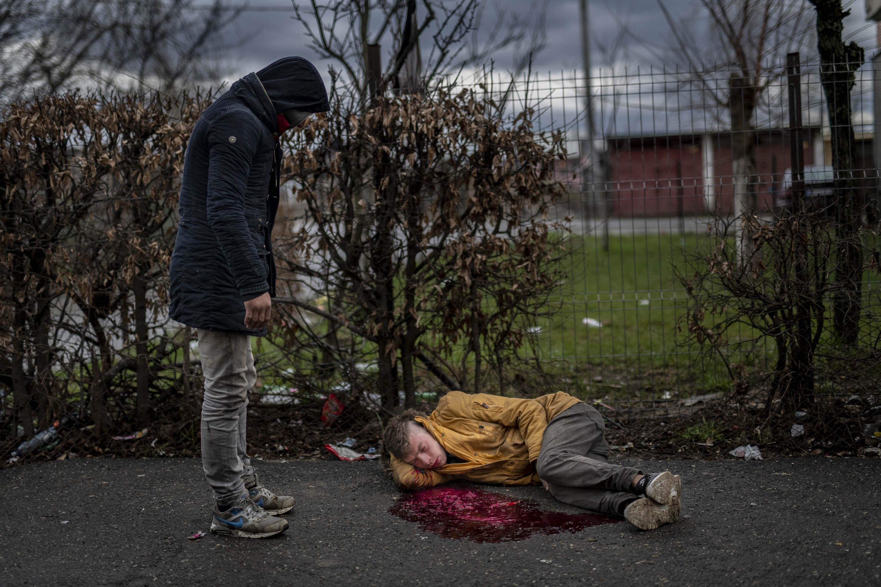 Túladagolt droghasználó fekszik a Craica szomszédságában, 2019. március<br /><br />Fotó: Hajdú D. András / Magyar Sajtófotó Pályázat