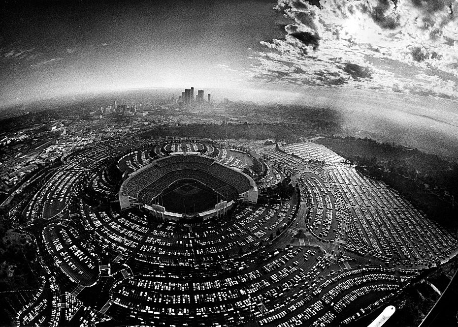 Fotó: Baseball meccs a Dodgers Stadionban, Dodgers - Philadelphia Phillies, 1977. október 4. © UCLA Library/Los Angeles Times