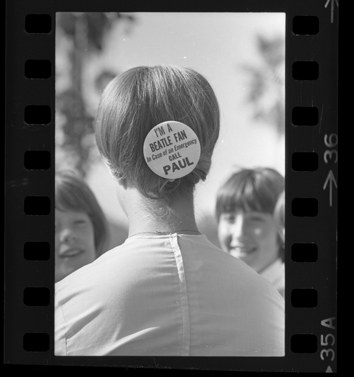 Fotó: Beatles rajongó, 1964 © UCLA Library/Los Angeles Times
