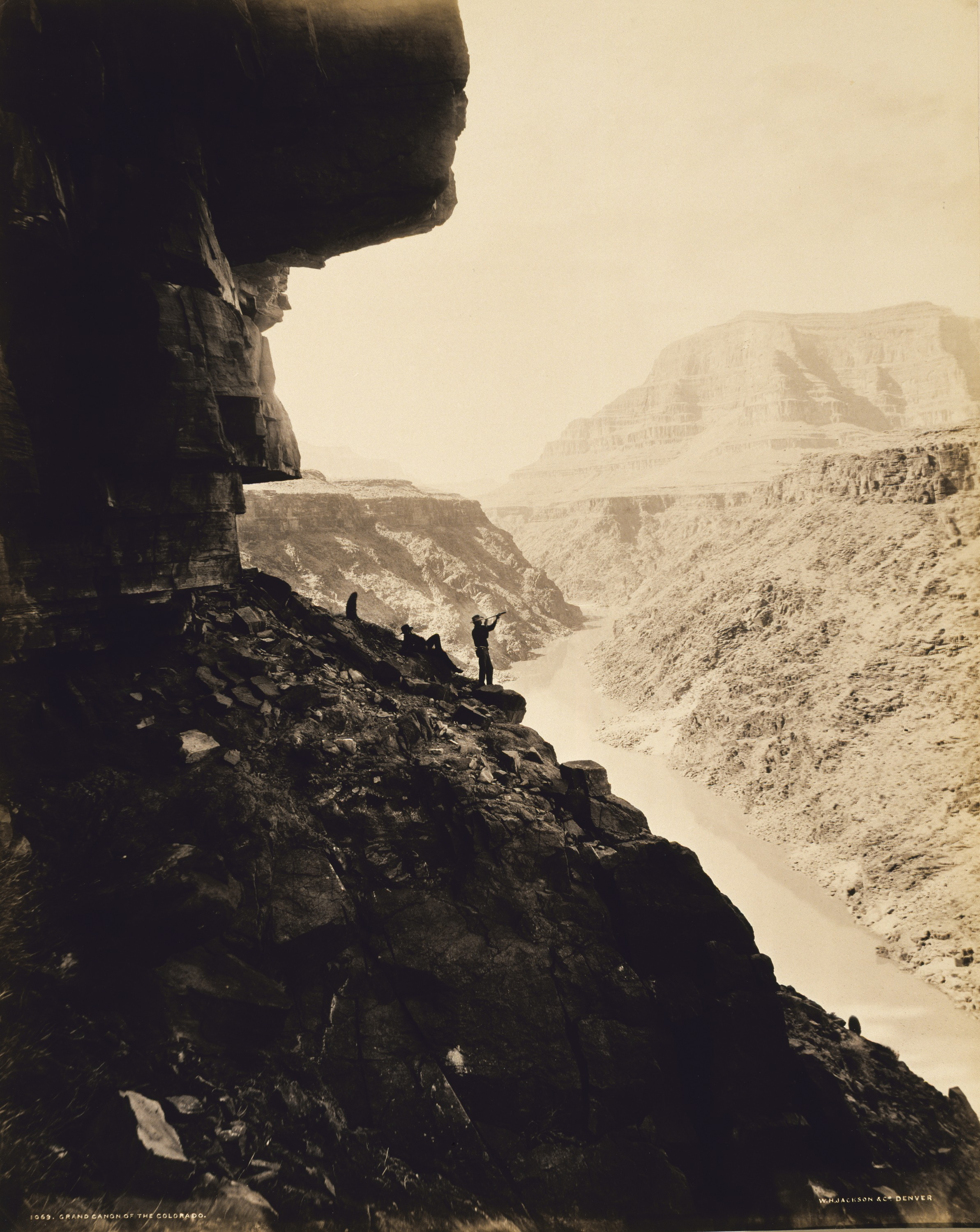 Fotó: William H. Jackson: Grand Canyon, 1880 körül, albumin<br />Smithsonian American Art Museum, Museum purchase from the Charles Isaacs Collection made possible in part by the Luisita L. and Franz H. Denghausen Endowment