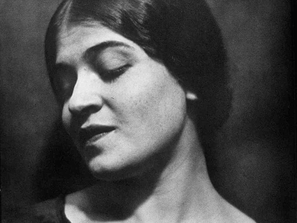 Fotó: Edward Weston: Tina Modotti, Glandale, Mexico, 1924 © Weston Gallery