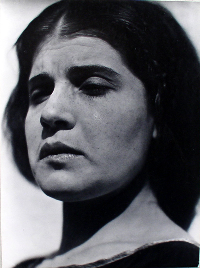 Fotó: Edward Weston: Tina könyekkel, Mexico, 1924 © Weston Gallery
