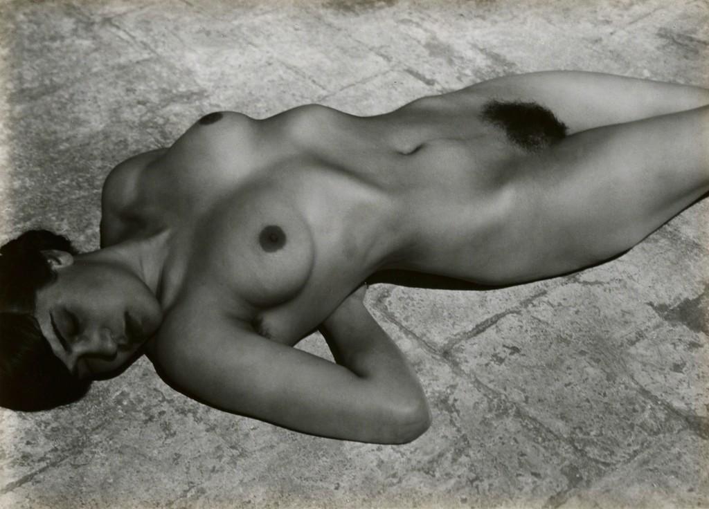 Fotó: Edward Weston: Tina Modotti, Mexico, 1923 © Weston Gallery