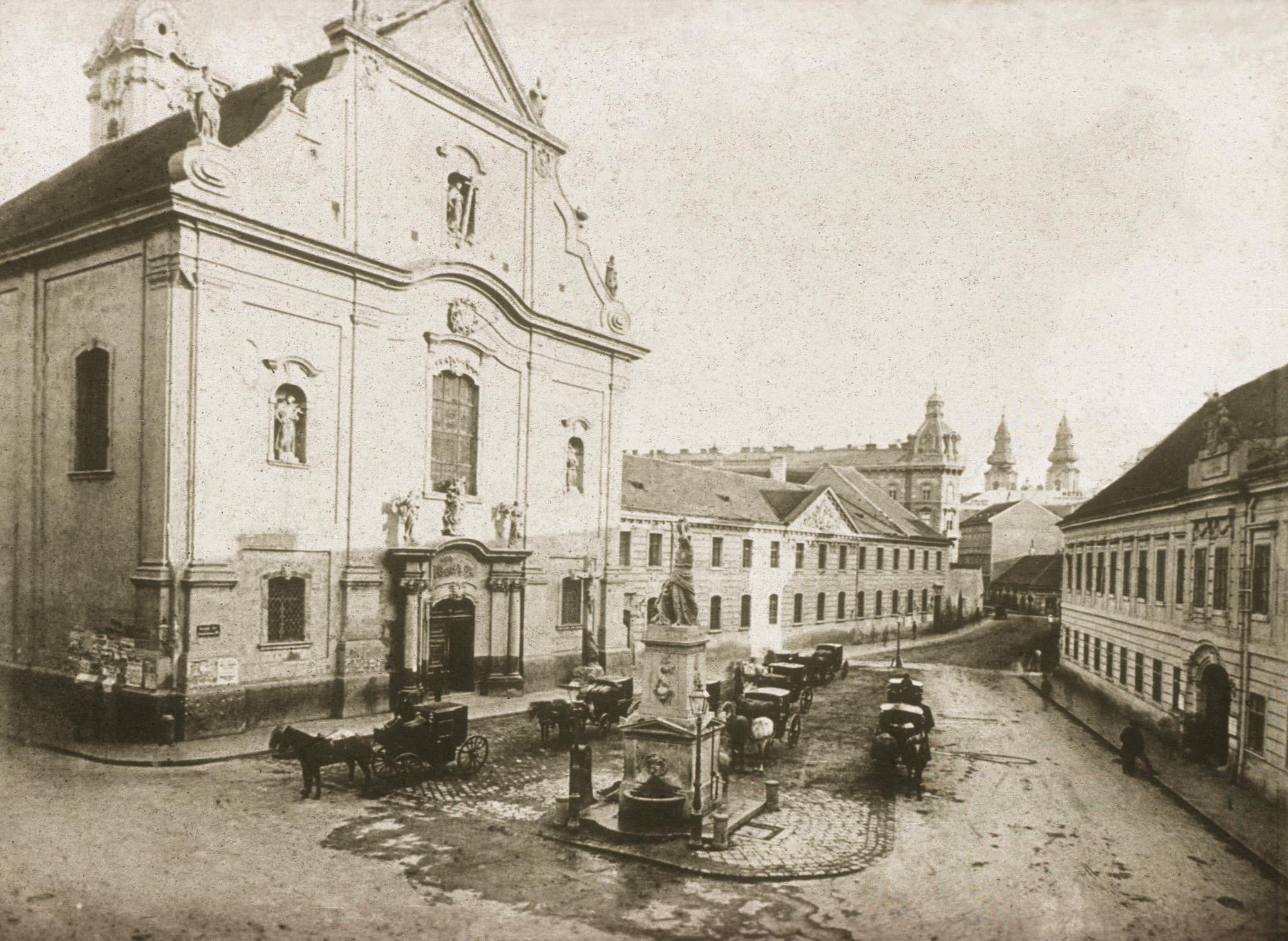 Fotó: Klösz György: Hatvani utca, Ferenciek tere, 1890 körül (Kisképző Digitális Fotótár)