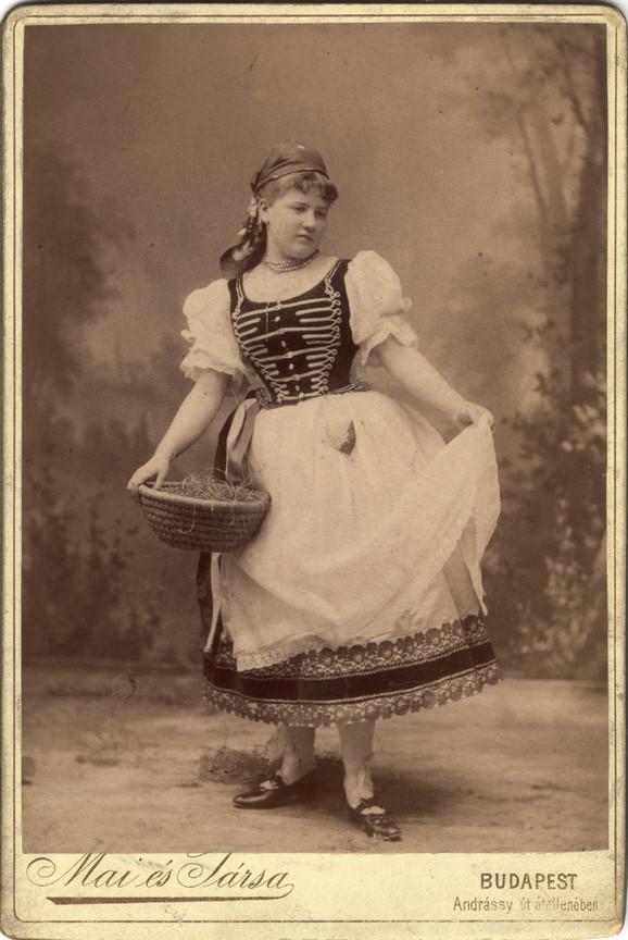 Fotó: Mai Manó © Magyar Fotográfiai Múzeum