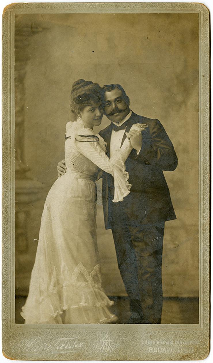 Fotó: Mai Manó: Házaspár, 1910. k © FSZEK Budapest Gyűjtemény, Fotótár