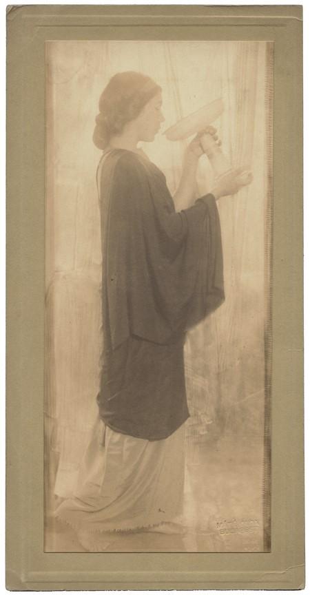 Fotó: Máté Olga: Görög leány. 1914 © Magyar Fotográfiai Múzeum