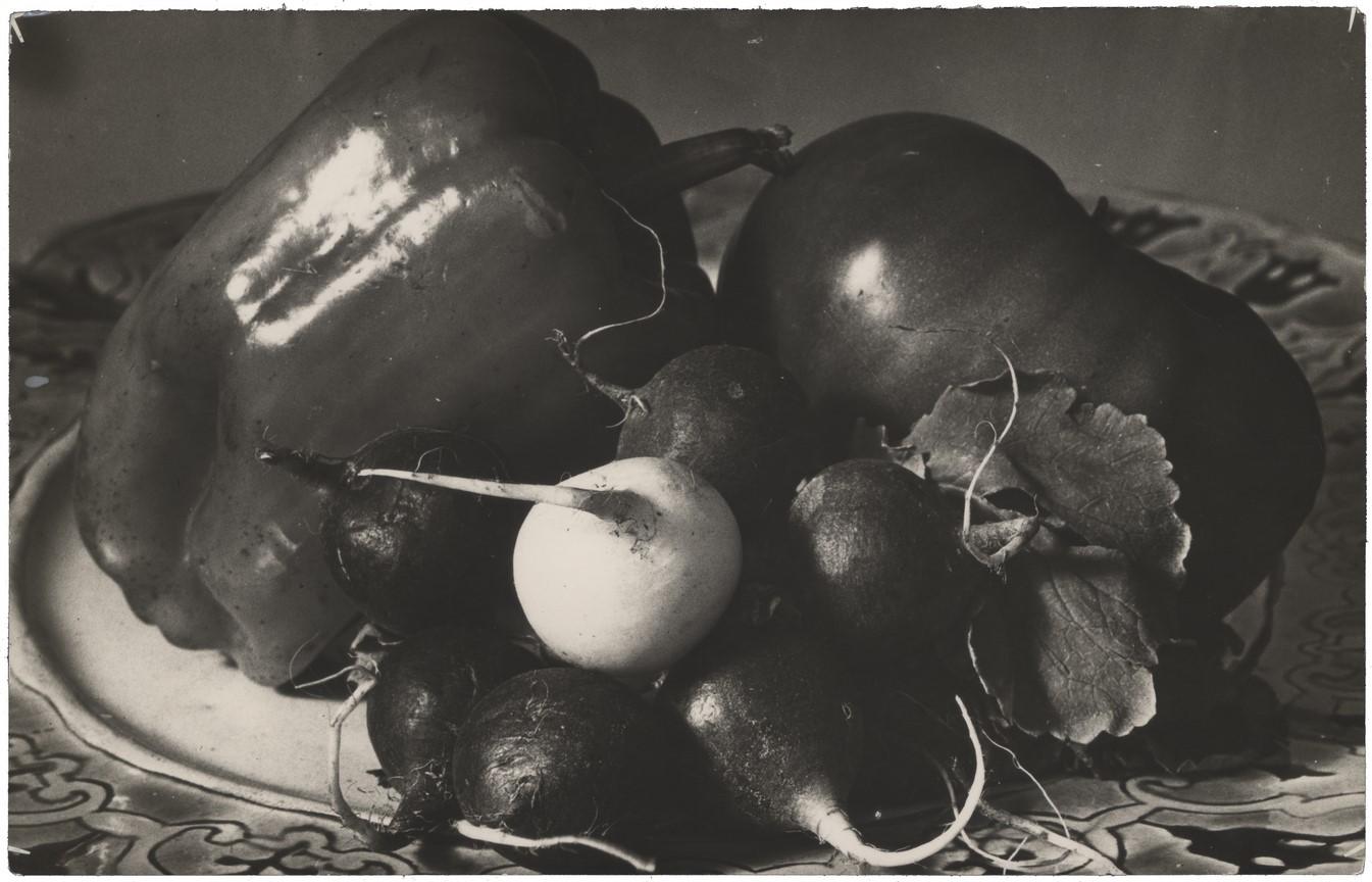 Fotó: Máté Olga: Zöldségcsendélet. 1933 k. © Magyar Fotográfiai Múzeum
