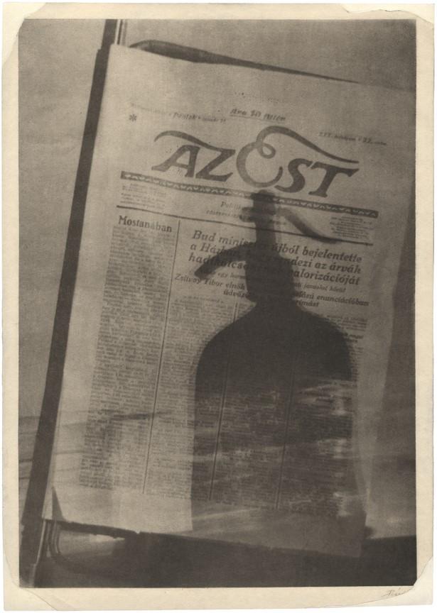 Fotó: Pécsi József: Az Est, 1927 © Magyar Fotográfiai Múzeum