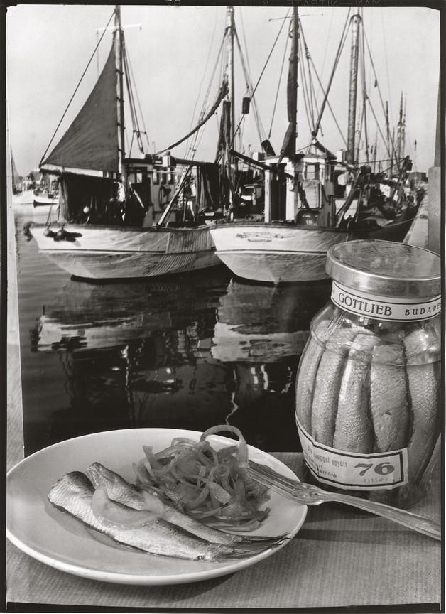 Fotó: Pécsi József: Hering reklám, 1938 © Magyar Fotográfiai Múzeum