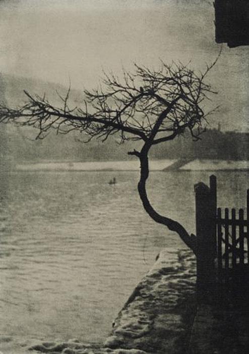 Fotó: Pécsi József: Dunapart, 1925 © Magyar Fotográfiai Múzeum