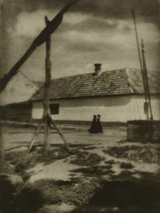 Fotó: Pécsi József: Falun, 1927 © Magyar Fotográfiai Múzeum