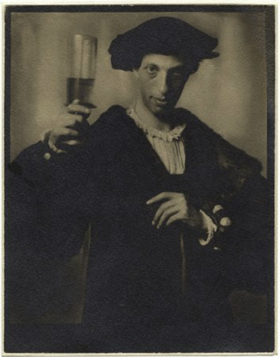 Fotó: Pécsi József: Reneszánsz önarckép, 1911 © Magyar Fotográfiai Múzeum
