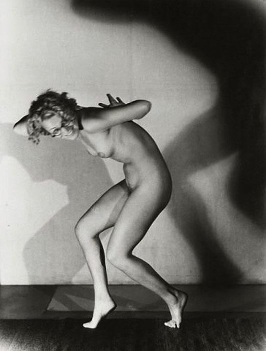 Fotó: Pécsi József: Szemüveges akt, 1932 © Magyar Fotográfiai Múzeum
