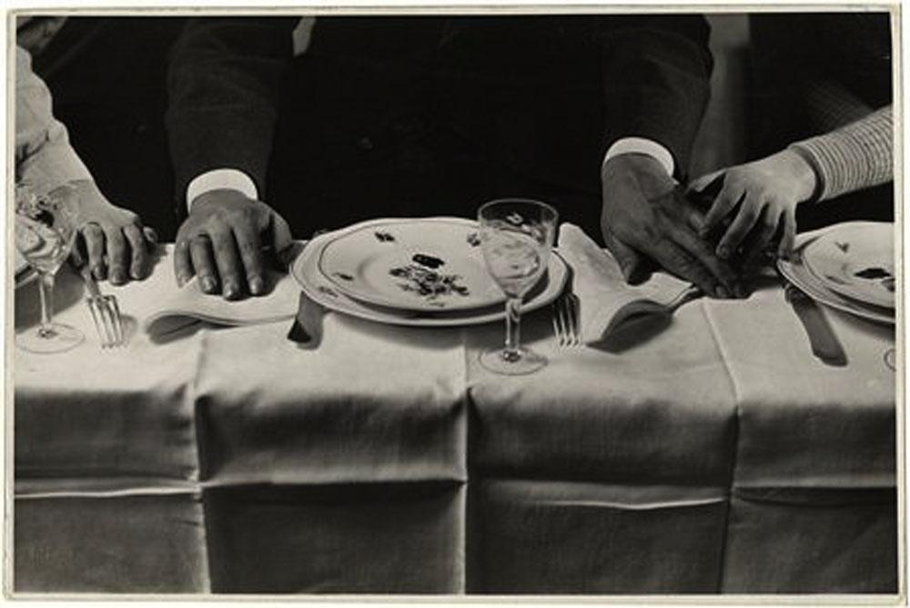 Fotó: Pécsi József: Terített asztal, 1930 k. © Magyar Fotográfiai Múzeum