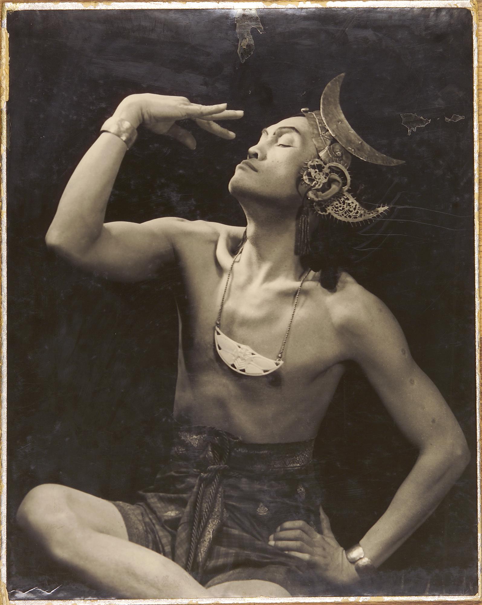 Fotó: Reismann Marian: Jávai táncos, 1937 © Magyar Fotográfiai Múzeum