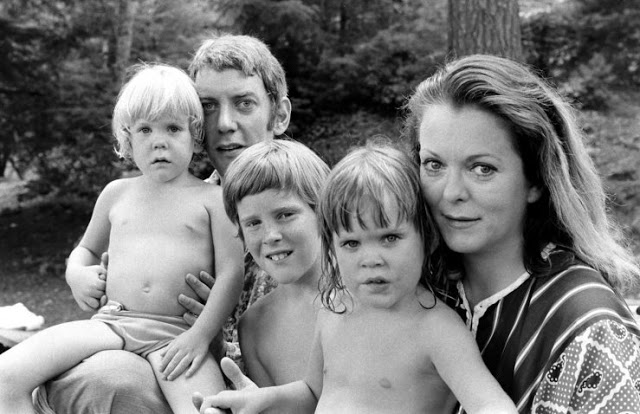 Photos of Donald Sutherland and His Family in 1970 by Co Rentmeester.jpg