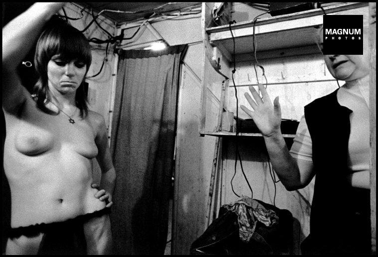 Fotó: Susan Meiselas: Presque Isle, Maine. Shortie és Patty vitája, 1973 © Susan Meiselas/Magnum Photos