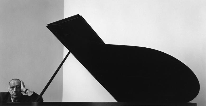 Igor_Stravinsky,_New_York,_NY,_1946.jpg