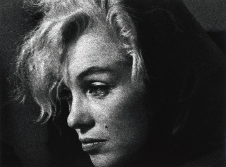 Marilyn_Monroe,_Hollywood,_CA,_1962.jpg