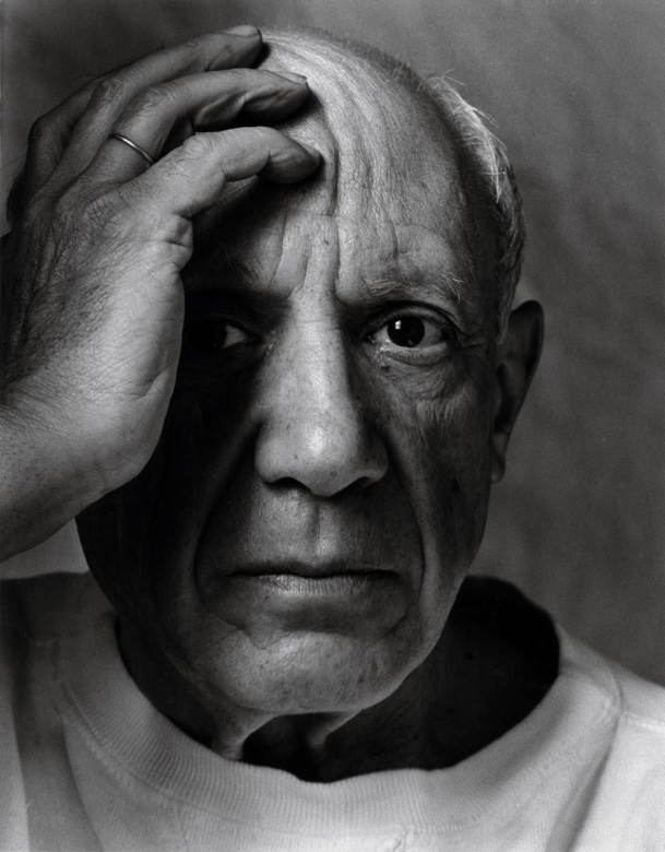 Pablo_Picasso,Vallauris,_France,_1954.jpg