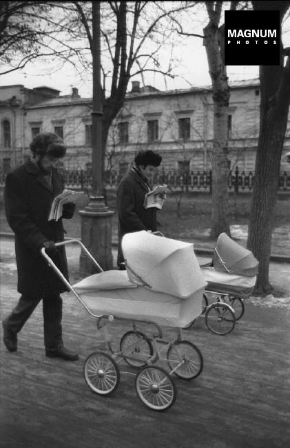 Fotó: Henri Cartier-Bresson: Vasárnap reggel a Gogol sugárúton, Moszkva, 1972 © Henri Cartier-Bresson/Magnum Photos