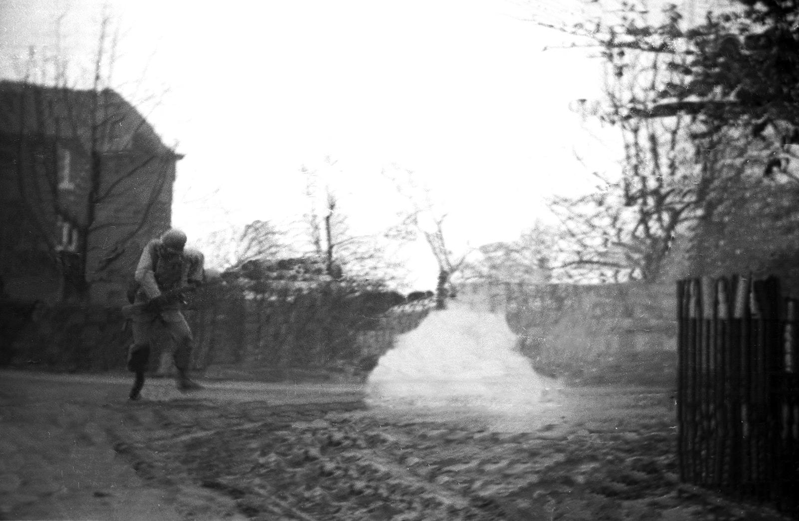 05_jack_w_rose_utolso_lepese_bihain_belgium_1945_januar.jpg