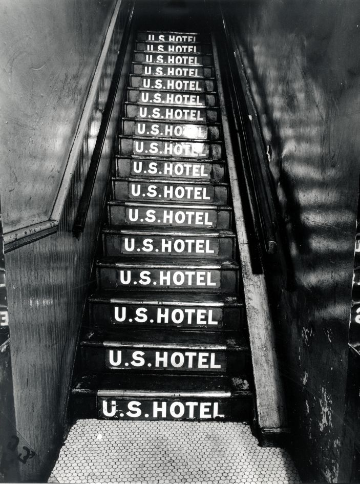 Fotó: Weegee: U.S. Hotel, Bowery 263, 1944 körül © Courtesy Institute for Cultural Exchange, Germany 2018