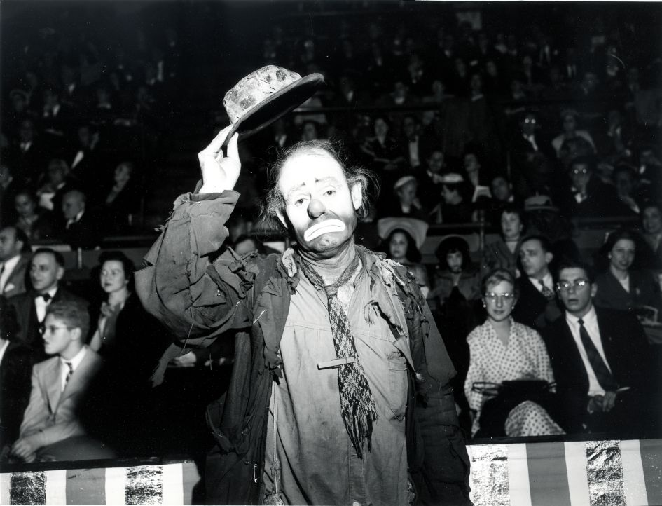 Fotó: Weegee: Emmet Kelly, 1955 körül © Courtesy Institute for Cultural Exchange, Germany 2018