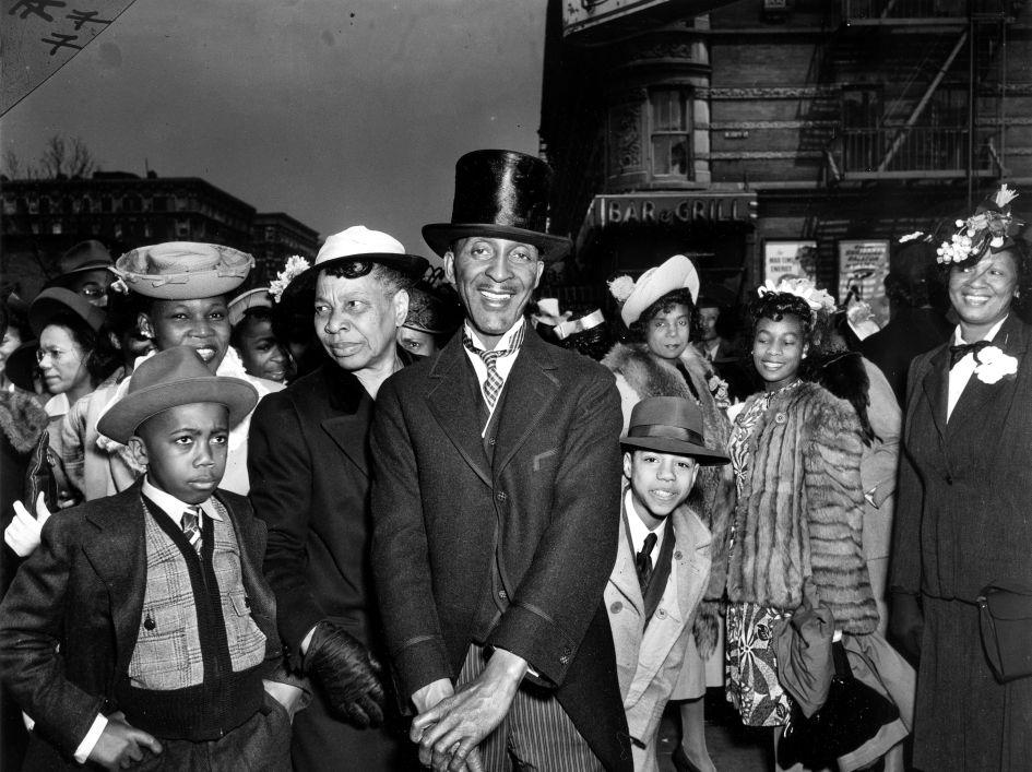 Fotó: Weegee: Húsvétvasárnap Harlemben, 1940 körül © Courtesy Institute for Cultural Exchange, Germany 2018
