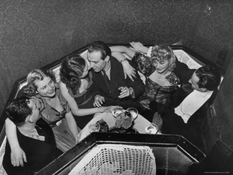 william-vandivert-patrons-in-budapest-nightclub-arizona.jpg