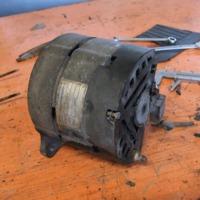 Generátor, AC pumpa / Alternator and fuel pump