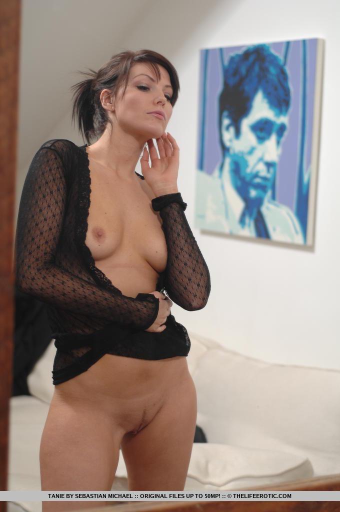 tanie-nude-sophisticate-06.jpg