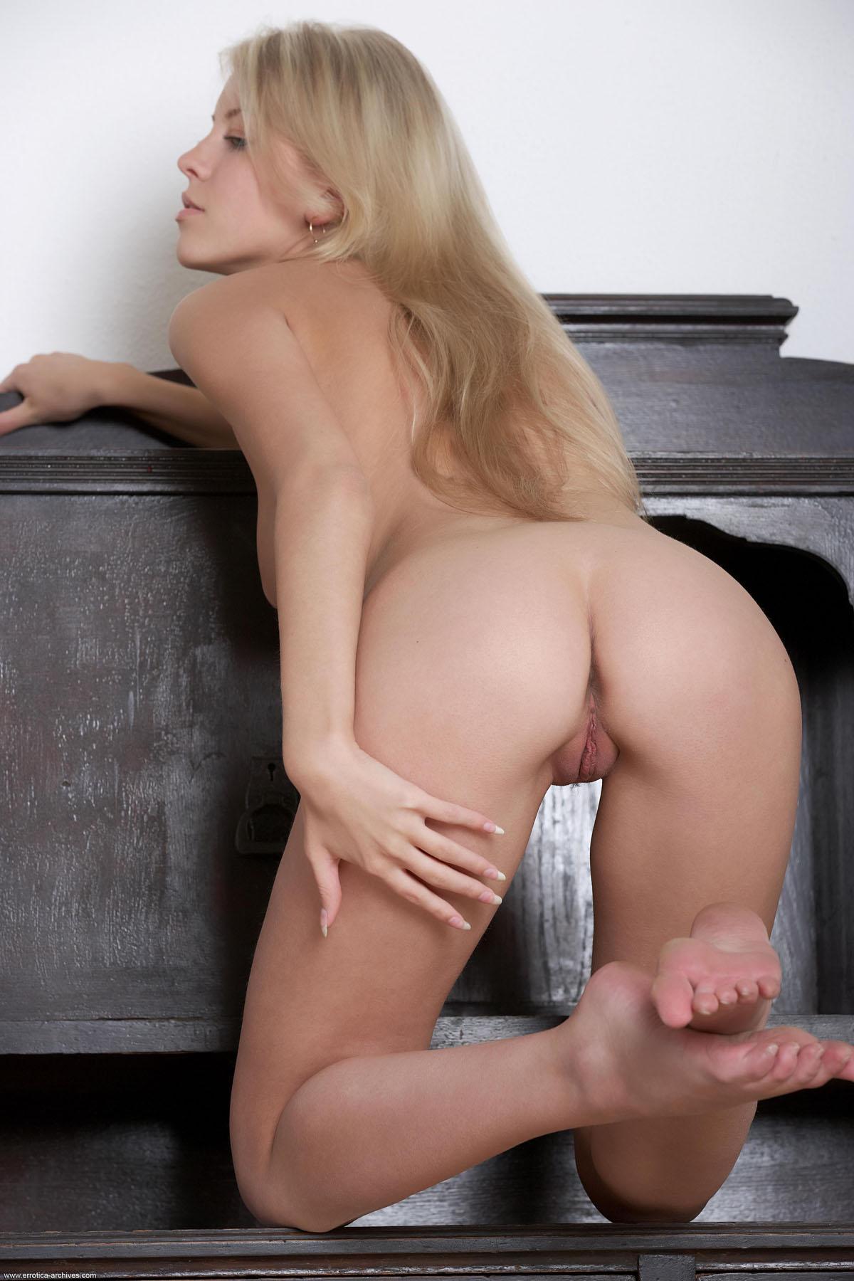 ErroticaArchive_Apalo_Barbara_high_0022.jpg