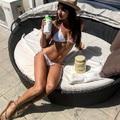 Bikiniben reklámoz terméket Király Viktor barátnője...