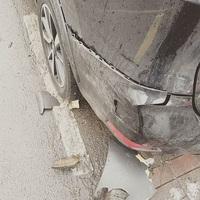 Összetörték Tatár Csilla autóját...