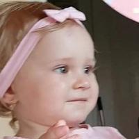 Kislányát ünnepli a népszerű énekesnő...