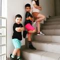 Gyerekek a lépcsőn...