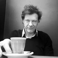 Till Attila imádja a kávét...