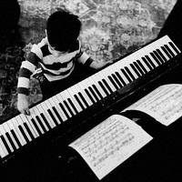 Az elhivatott zongorista...
