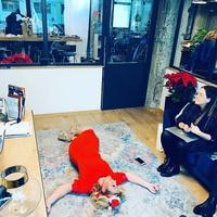 Liptai Claudia padlóra került...