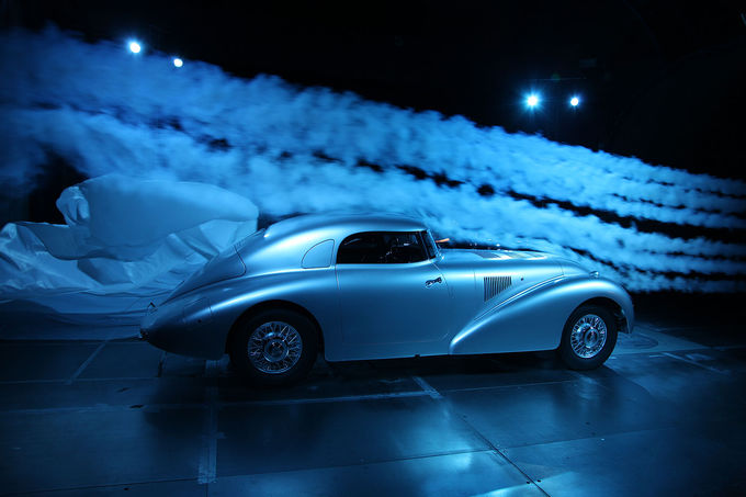Mercedes-Benz-540-K-Stromlinienwagen-fotoshowImage-d3373b9f-780782.jpg