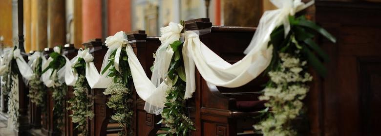edb6b25aee Esküvői készülődés 3. rész – Mi volt előbb, a polgári esküvő vagy az egyházi  szertartás? - Makeup Blog