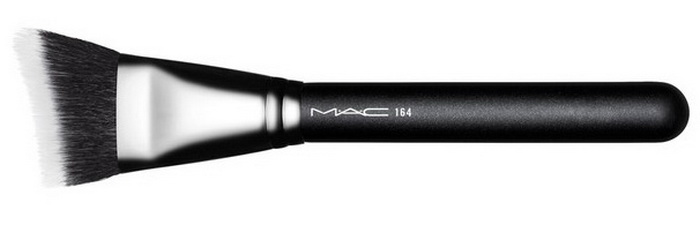 mac-spring-2016-all-the-right-angled-collection-duo-fiber-curved-sculpting-brush.jpg