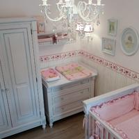 Rózsaszín babaszoba
