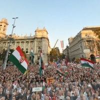 Október 23. tíz- és százezrei – Tüntetésmatek III.